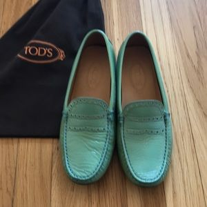 Tod's patent leather loafer